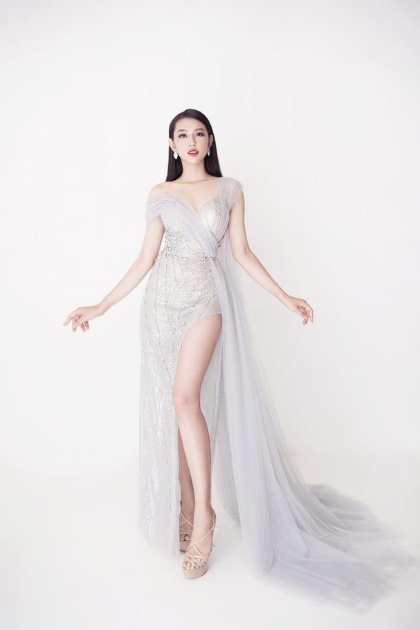 Thùy Tiên khoe sắc vóc chuẩn từng centimet trong bộ hình dạ hội mới - Ảnh 1.