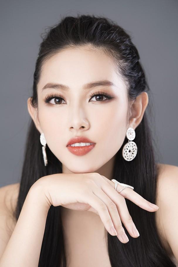 Thùy Tiên khoe sắc vóc chuẩn từng centimet trong bộ hình dạ hội mới - Ảnh 4.