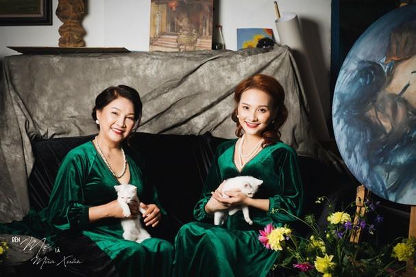 Mẹ con Bảo Thanh đẹp rạng ngời trong bộ ảnh áo dài xuân - Ảnh 6.