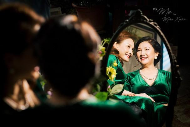 Mẹ con Bảo Thanh đẹp rạng ngời trong bộ ảnh áo dài xuân - Ảnh 5.