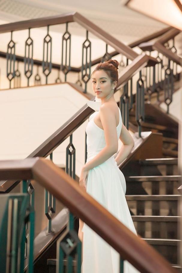 Hoa hậu Đỗ Mỹ Linh tái xuất gợi cảm sau thời gian 'ở ẩn' - ảnh 4