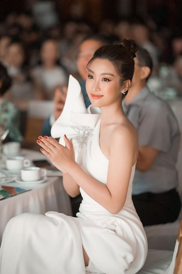 Hoa hậu Đỗ Mỹ Linh tái xuất gợi cảm sau thời gian 'ở ẩn' - ảnh 7