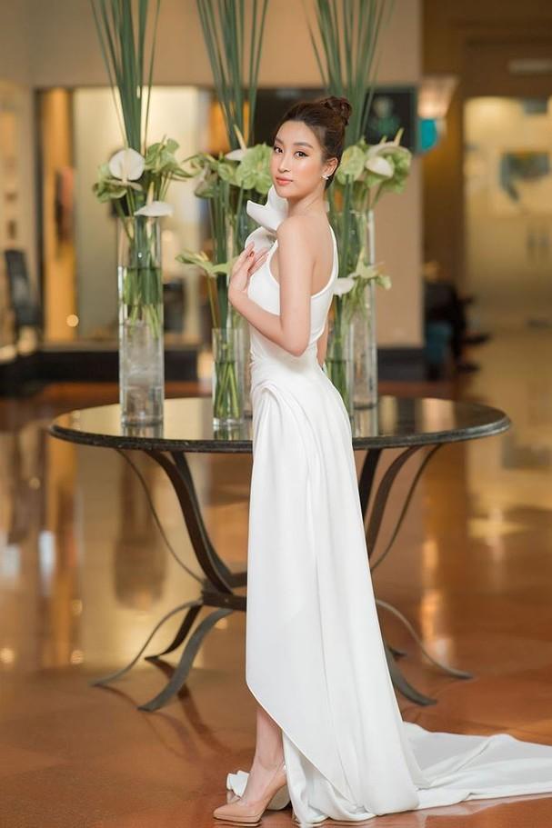 Hoa hậu Đỗ Mỹ Linh tái xuất gợi cảm sau thời gian 'ở ẩn' - ảnh 3