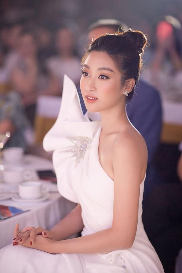 Hoa hậu Đỗ Mỹ Linh tái xuất gợi cảm sau thời gian 'ở ẩn' - ảnh 6
