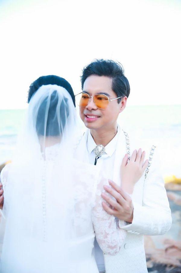 Ngọc Sơn tung ảnh cưới úp mở chuyện lấy vợ và chính thức đòi quà 'đại gia đình' ảnh 2