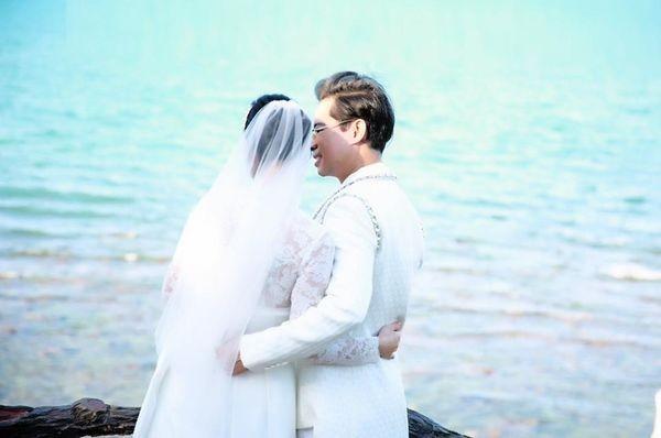 Ngọc Sơn tung ảnh cưới úp mở chuyện lấy vợ và chính thức đòi quà 'đại gia đình' ảnh 4