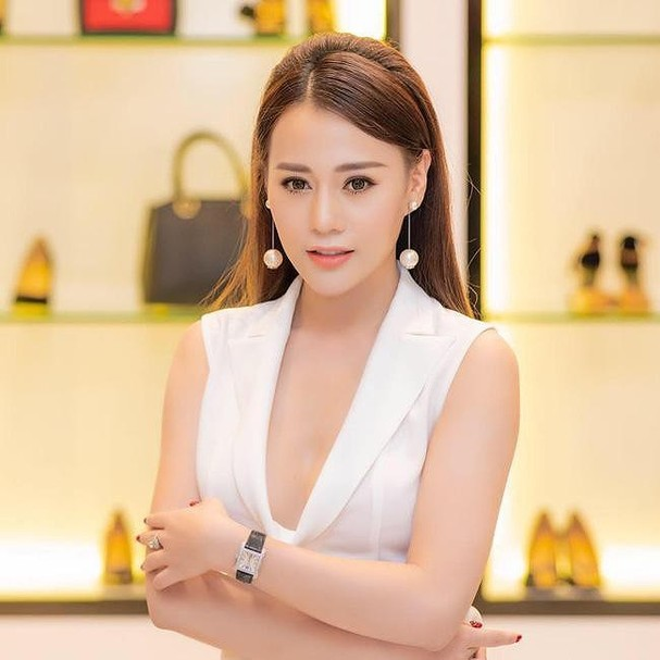'Quỳnh búp bê' - Phương Oanh sở hữu tài sản 'khủng' nào ở tuổi 30? - ảnh 11