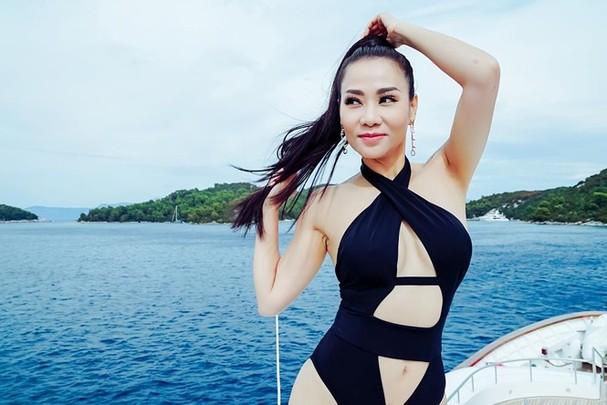 Thu Minh diện bikini khoe đường cong cực nóng bỏng - ảnh 2