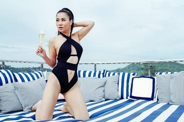 Thu Minh diện bikini khoe đường cong cực nóng bỏng - ảnh 7