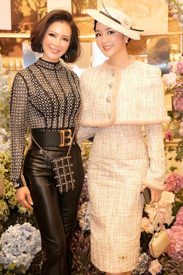 MC Thanh Mai khoe sắc bên bạn thân là hoa hậu Giáng My