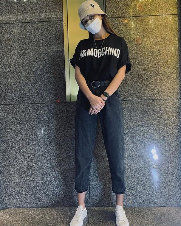 H'Hen Niê tung váy dạ hội đẹp tựa 'nữ thần' trong hang Sơn Đoòng - ảnh 8