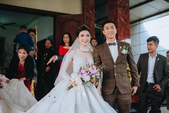 Vợ Phan Văn Đức khoe ảnh con đầu lòng, tiết lộ em bé có sống mũi cao giống bố ảnh 4