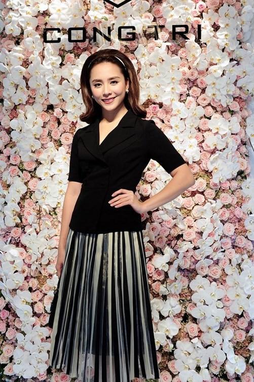 Ngọc Trinh, Angela Phương Trinh mặc đẹp nhất tuần