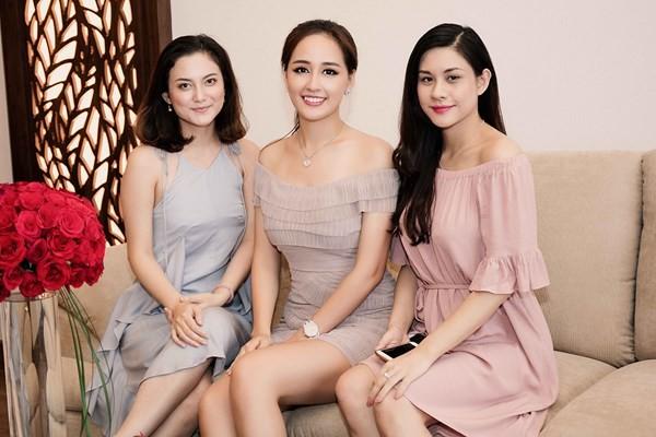 Hoa hậu Mai Phương Thuý khoe đường cong quyến rũ trước biển - ảnh 8