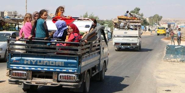 "nguoi syria nhao nhao thao chay truoc khi idlib ""vo tran"" hinh anh 1"