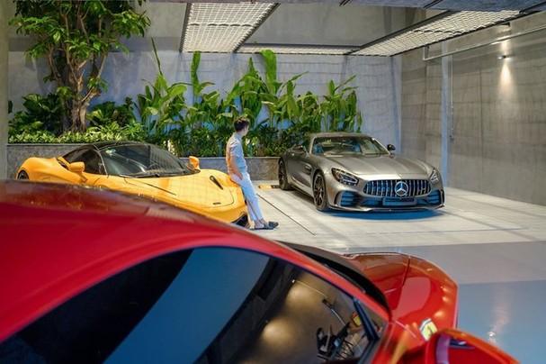 Lóa mắt với bộ sưu tập siêu xe của Cường Đô la - ảnh 1