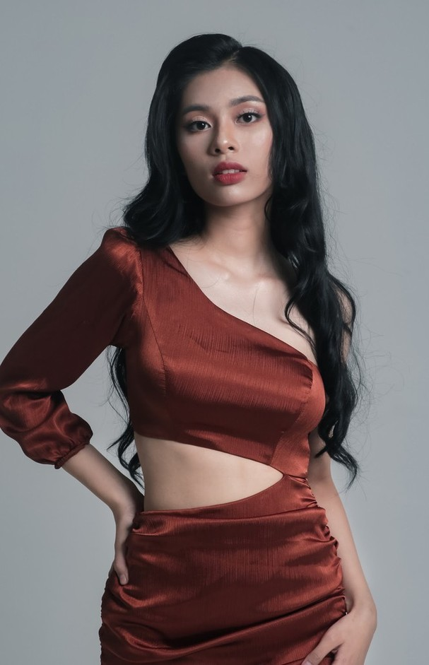 Nữ sinh xứ Nghệ ước mơ chinh phục ngôi vương Hoa hậu Việt Nam 2020 - ảnh 7