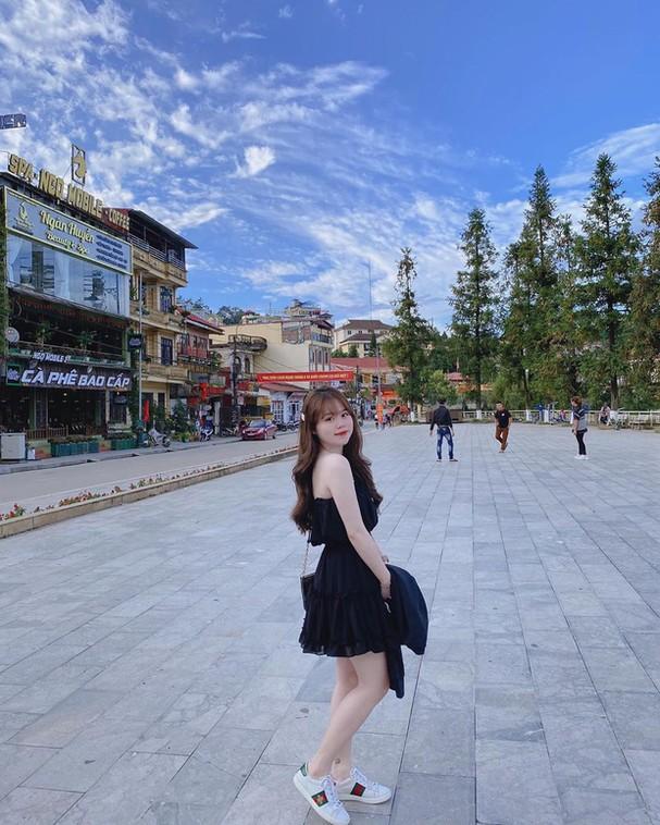 Bạn gái Quang Hải mặc bikini, khoe chân dài và nóng bỏng đốn tim fan hâm mộ - Ảnh 2.
