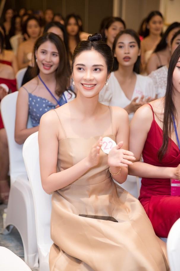 Sắc vóc đẹp hút hồn của các người đẹp xứ Nghệ lọt Bán kết Hoa hậu Việt Nam 2020 - ảnh 7