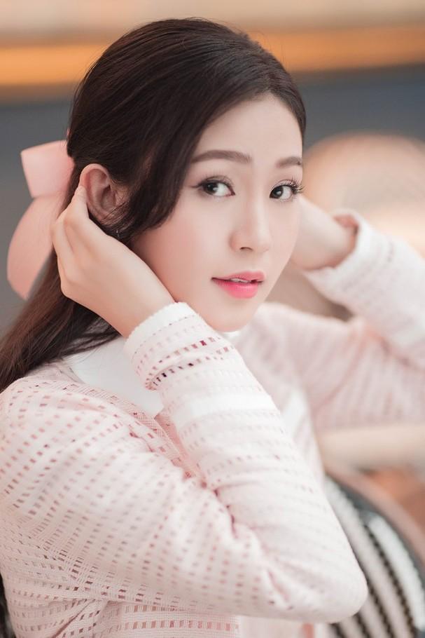 Sắc vóc đẹp hút hồn của các người đẹp xứ Nghệ lọt Bán kết Hoa hậu Việt Nam 2020 - ảnh 1