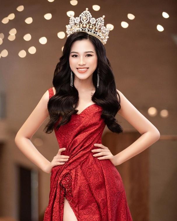 Fans quốc tế nói gì về nhan sắc của Hoa hậu Đỗ Thị Hà sau 2 tháng đăng quang? - ảnh 2