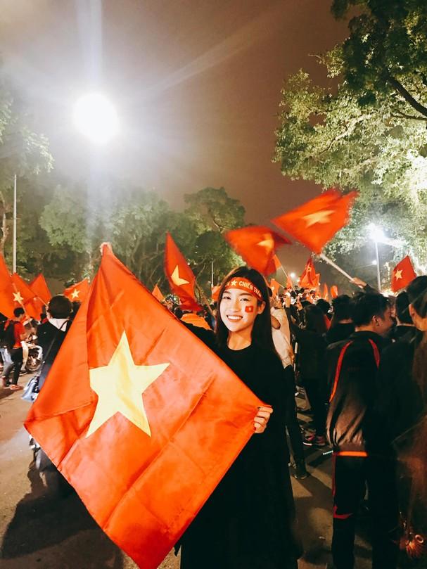 """Sao Việt """"thót tim"""", vỡ òa hạnh phúc khi ĐT Việt Nam hạ gục Malaysia - Ảnh 6."""