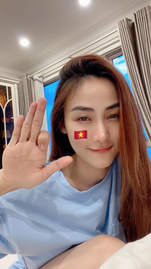 Sao Việt 'thót tim', vỡ òa hạnh phúc khi ĐT Việt Nam hạ gục Malaysia - ảnh 7