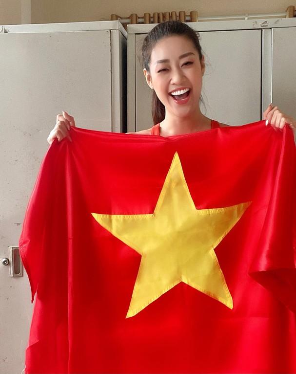 """Sao Việt """"thót tim"""", vỡ òa hạnh phúc khi ĐT Việt Nam hạ gục Malaysia - Ảnh 1."""