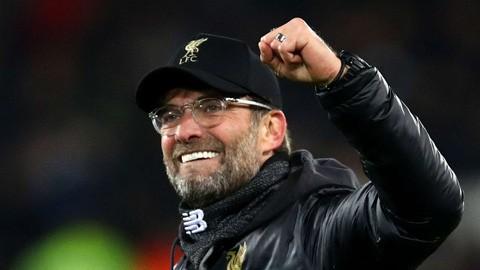 Klopp vượt qua 2 HLV huyền thoại của Liverpool