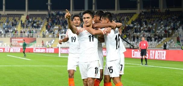 FIFA công nhận kỷ lục của ĐT Việt Nam trước Asian Cup; PSG đi tiếp, Marseille thua sốc - ảnh 4
