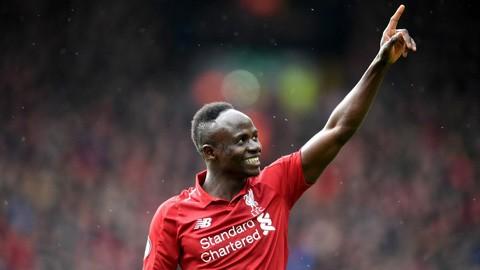 Đưa Liverpool trở lại ngôi đầu, Mane phá kỷ lục Ngoại hạng Anh