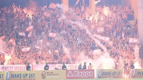 """Pháo sáng """"đốt"""" hơn 1,5 tỷ đồng của các CLB V.League"""