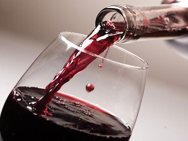Nếu rượu trở về màu sắc như ban đầu thì chứng tỏ đó là rượu chất lượng