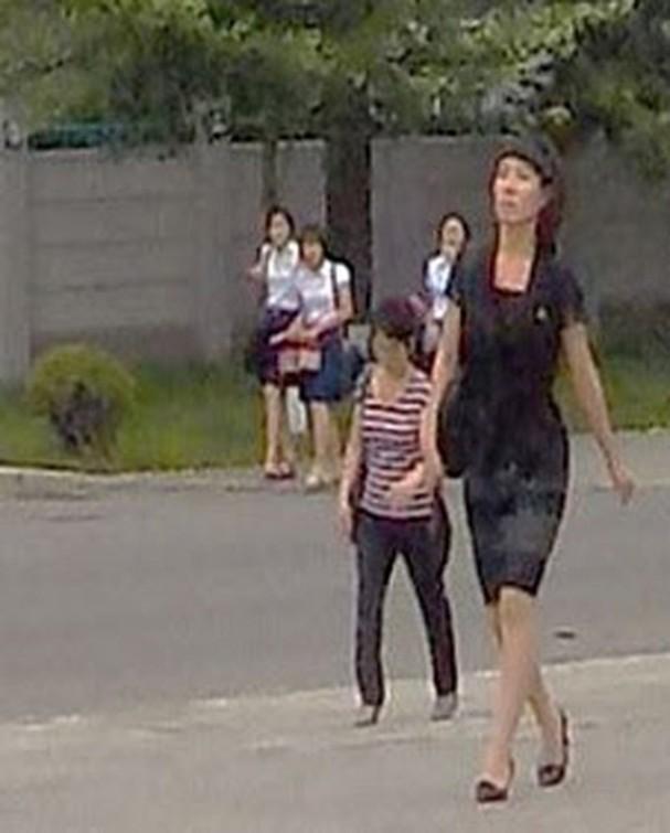 Triều Tiên trị thẳng tay người mặc váy ngắn, nhảy kiểu Hàn - ảnh 1
