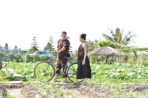 Chàng kỹ sư Australia 'hóa' nông dân bên vợ Việt