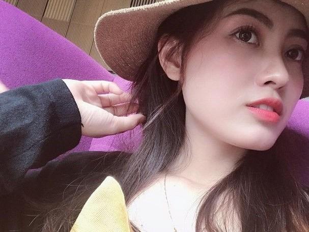 Nữ kiểm sát viên 9X Hà Nội khiến dân tình xốn xang vì nụ cười tỏa nắng và nhan sắc rạng rỡ ảnh 11