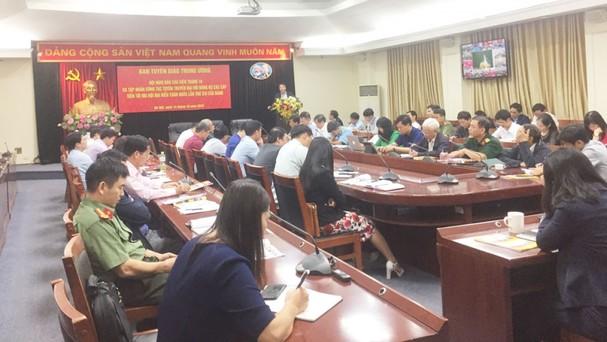 Ban Tuyên giáo Trung ương tổ chức hội nghị báo cáo viên tháng 10 và tập huấn công tác tuyên truyền Đại hội Đảng bộ các cấp tiến tới Đại hội đại biểu toàn quốc lần thứ XIIIcủa Đảng.