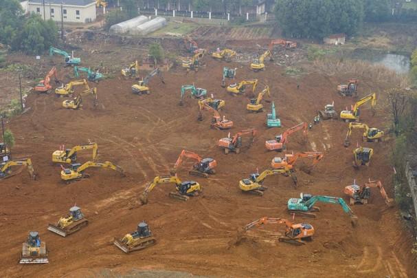 Ảnh chụp từ trên cao về địa điểm xây dựng bệnh viện dã chiến dành cho bệnh nhân Covid-19 ở Vũ Hán, tỉnh Hồ Bắc, Trung Quốc, ngày 24/1. Ảnh: Getty Images