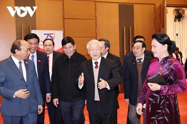 Tổng Bí thư, Chủ tịch nước dự gặp mặt kỷ niệm 75 năm ngày Tổng tuyển cử đầu tiên - ảnh 2